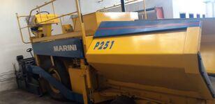 ماكينة رصف الأسفلت ذات العجلات MARINI P251